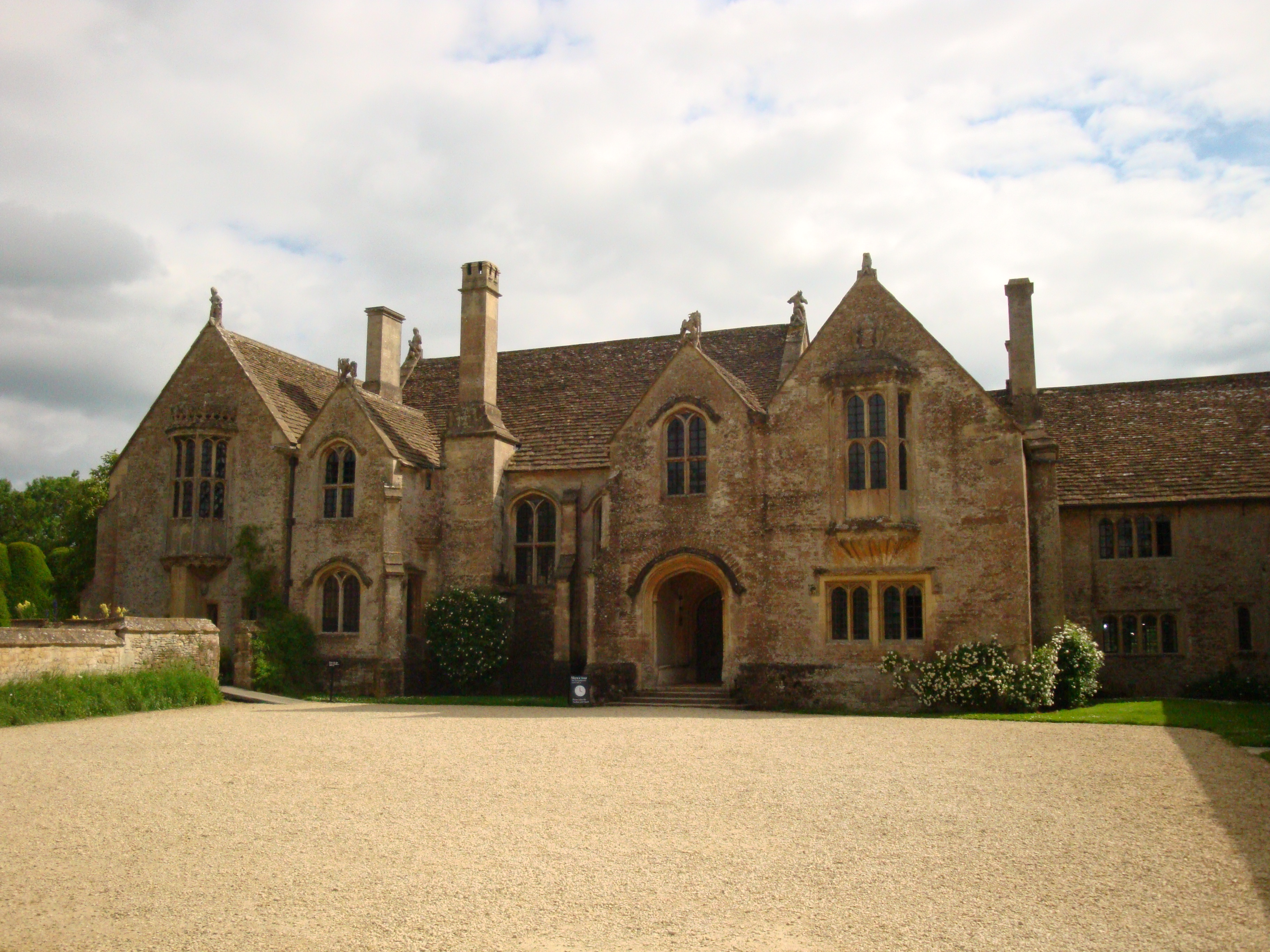 A charming english manor house an american wife in wiltshire for Home manor